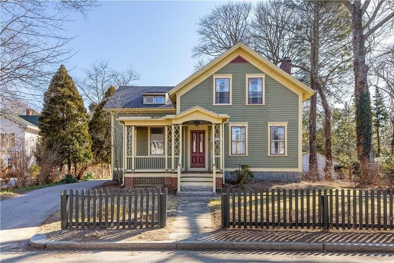 Historic 5BR Colonial - Peace & Tranquility Near Beaches, URI, and Newport!, location de vacances à Exeter
