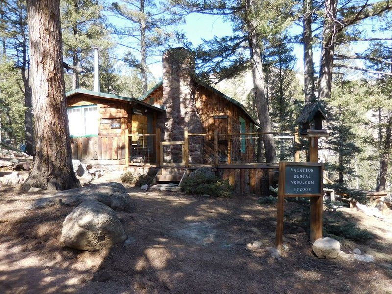 Rustic Summer  Cabin, vacation rental in Green Mountain Falls