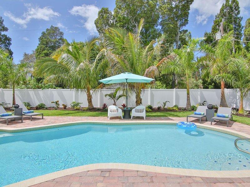 Seastar! Newly Renovated Home, 10 Min to Anna Maria, Oversized Heated Pool, alquiler de vacaciones en Palma Sola