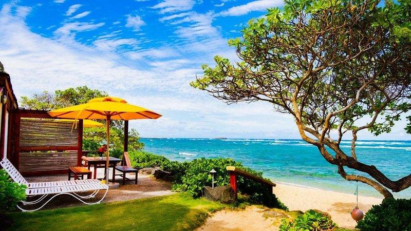 Patio de Ocean Sun directement sur la plage.