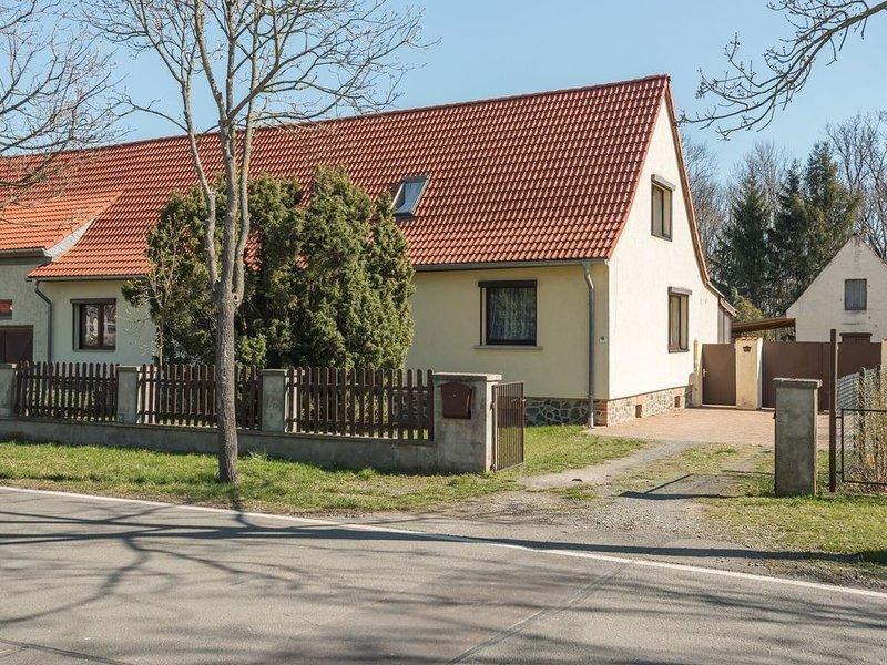 Alluring Holiday Home in Meisdorf with Garden, aluguéis de temporada em Lutherstadt Eisleben