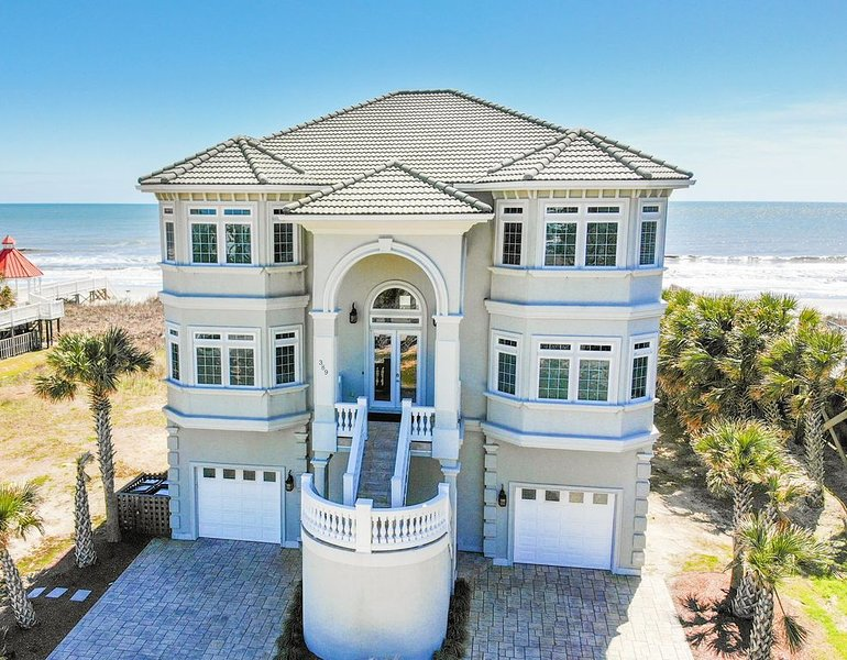 Oceanfront THE MEMORY MAKER, Heated* Pool, Wedding Friendly, vacation rental in Ocean Isle Beach