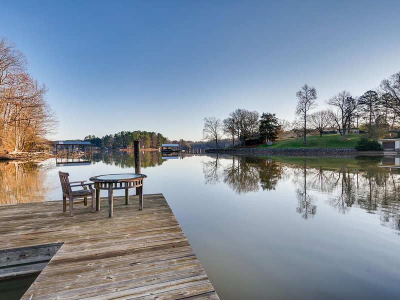 Indian Trail Suite -  lakefront apartment is the perfect getaway!, holiday rental in Lake Norman