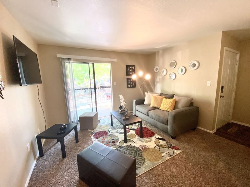 New Listing! Cozy Private Apartment Home-, vacation rental in Cypress