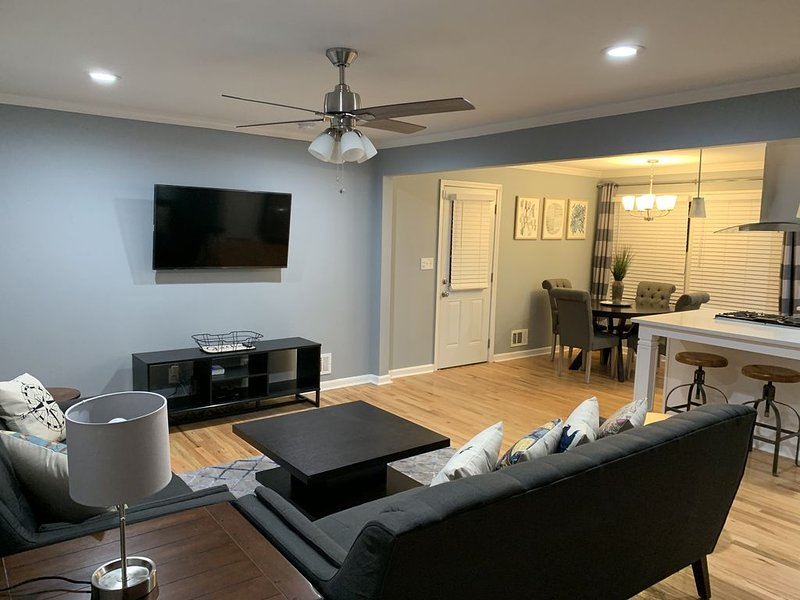 Spacious Atlanta Home Mins from the City, holiday rental in Rex