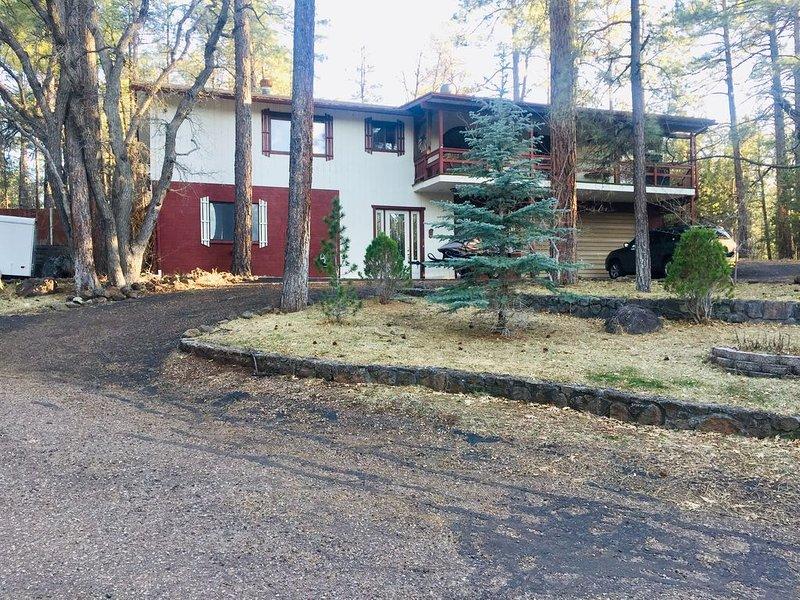 Mountain High Retreat in the Ponderosa Pines of the White Mountains of Arizona, alquiler vacacional en Pinetop-Lakeside