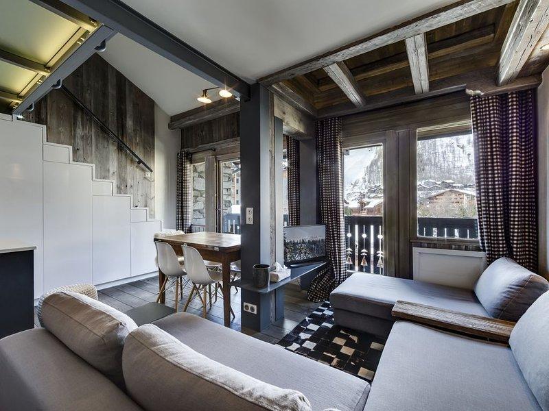 Duplex front de neige  au centre du village avec sur la vue face de Bellevarde, holiday rental in Val d'Isère