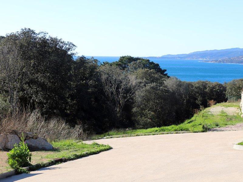 NOUVEAU: Superbe 2 pièces  rez de villa independant , calme, terrase  vue mer, vacation rental in Propriano
