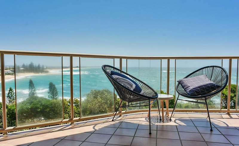 Ocean Front Moffat Beach Private Rooftop Terrace Walk to cafe's, restaurants, vacation rental in Caloundra