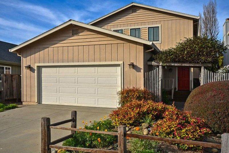Amazing Home, 2 Blocks to Beach, Clean/Spacious/Bright, Booking for Fall/Winter, Ferienwohnung in Santa Cruz