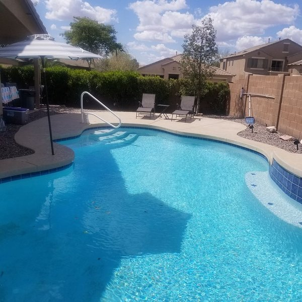 *** GORGEOUS DESERT GETAWAY WITH HEATED  POOL NEAR THE DUKE GOLF COURSE***, holiday rental in Maricopa