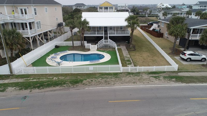 Ask about discount - 2nd Row -  Private Pool - Putting green, location de vacances à Murrells Inlet