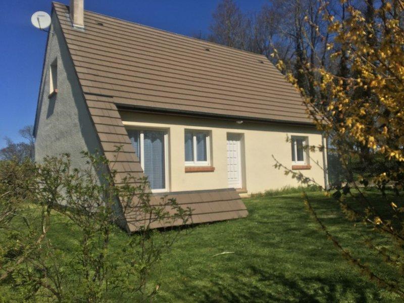 Maison avec jardin clos au calme idéalement située  4*, holiday rental in Bretteville-Saint-Laurent