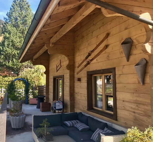 Luxury and romantic «Huskie's Chalet», holiday rental in Troistorrents