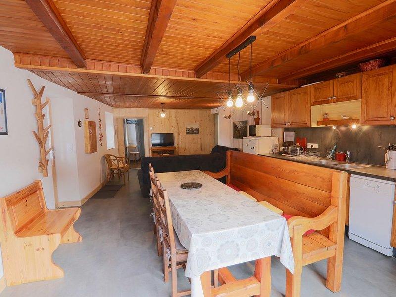 Appartement 6  personnes tout équipé  au pied du domaine skiable Paradiski, casa vacanza a Nancroix