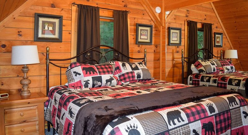 Ooh La La Cabin minutes to Pigeon Forge, holiday rental in Sevierville