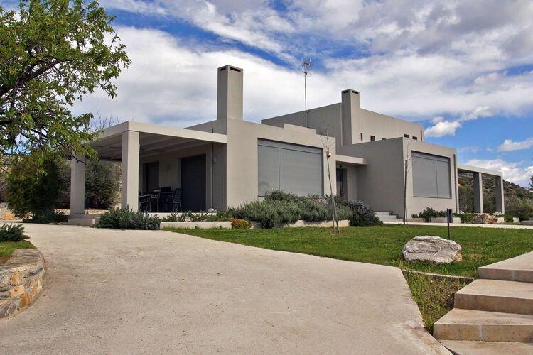 Modern Villa in Nea Agchialos with Garden and Barbecue, holiday rental in Nea Anchialos