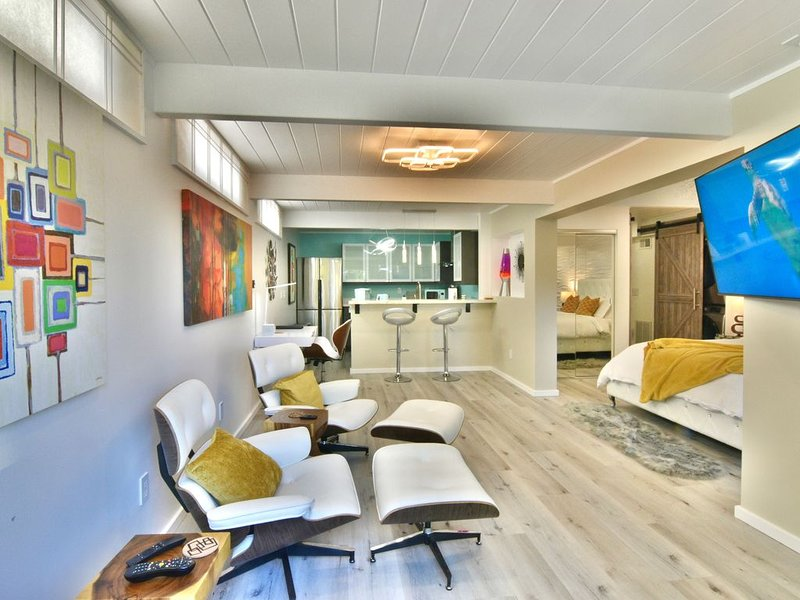 Total Privacy & Full Kitchen in Mid Century In-Law, location de vacances à Marin County