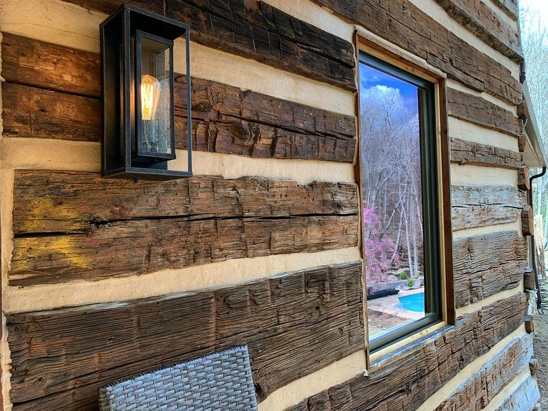 The Waterfall Cabin Estate on the Tye River, vacation rental in Montebello
