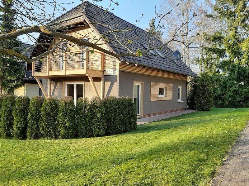 Wunderschönes Ferienhaus am Silbersee für bis zu 8 Personen, holiday rental in Schwalmstadt