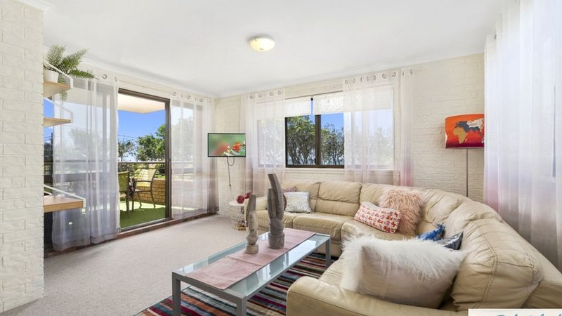 3 BEDROOM BEACHFRONT UNIT WITH POOL, vacation rental in Moreton Bay Region