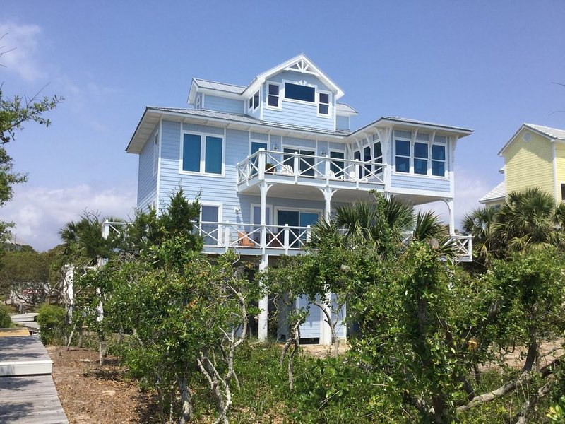 Oceanfront! Plantation, Sunsets, Dolphins. Gorgeous home, Gulf and beach views!, holiday rental in Apalachicola