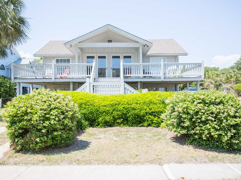 Excellent Ocean Views! Located just across the street from beach access!!, holiday rental in Isle of Palms