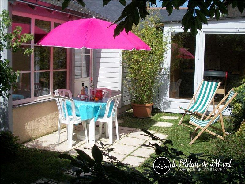 DECOUVEZ L'ANJOU AUTREMENT : Maison de CHARME 2**, AUTHENTIQUE et PAISIBLE, holiday rental in Saint-Aubin-de-Luigne