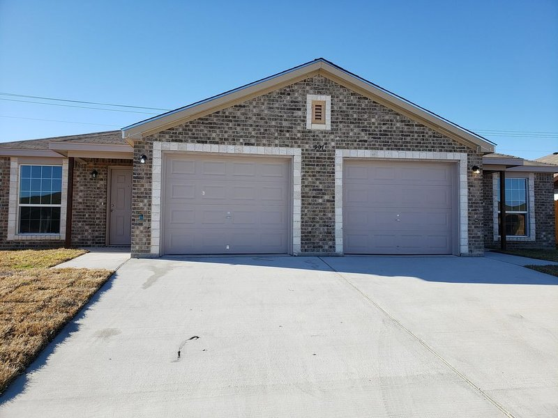 KILLEEN, TX HOME AWAY FROM HOME!, holiday rental in Harker Heights
