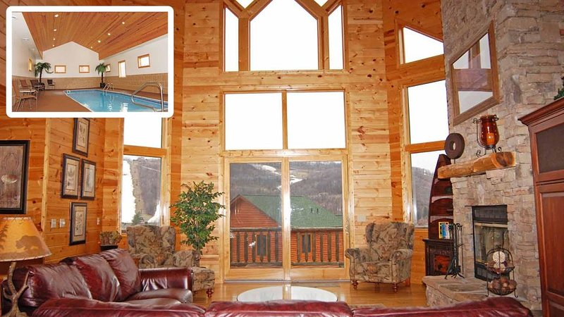 7 BR,  Log Chalet, Boat Slip, Indoor Pool, Hot Tub, Pool Table Room, holiday rental in McHenry