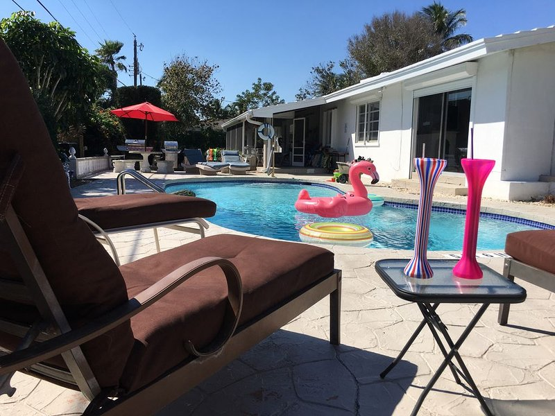 Classic FL 4/3 Heated Pool, FREE BBQ! Near Beach, Kitchen Laundry Eat-In Patio, alquiler vacacional en Boca Ratón