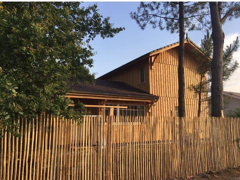 'LA CABANE' Très belle Maison en bois, holiday rental in Le Temple