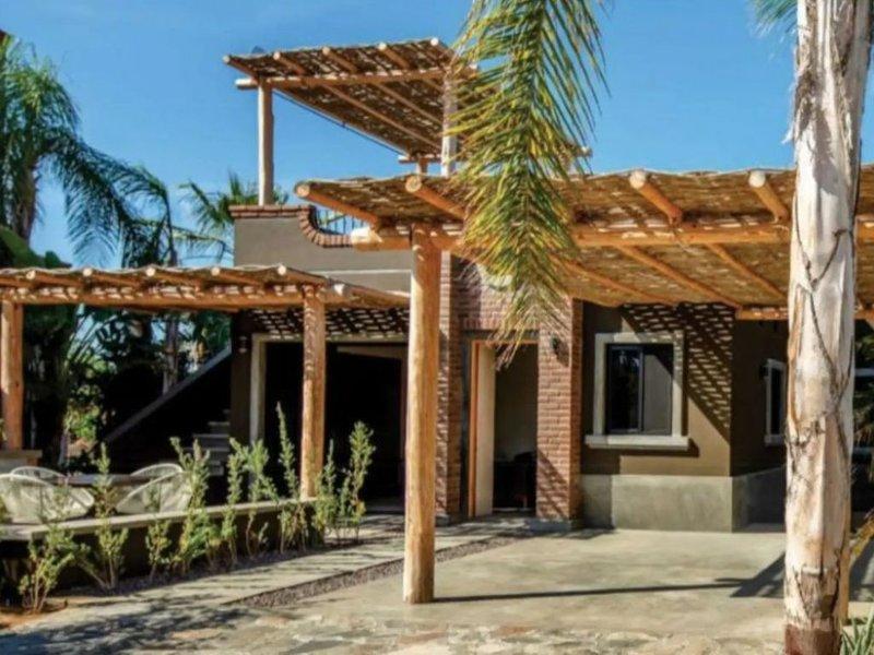Casa Del Sur in Pueblo Pescadero  *dog friendly*, vacation rental in El Pescadero