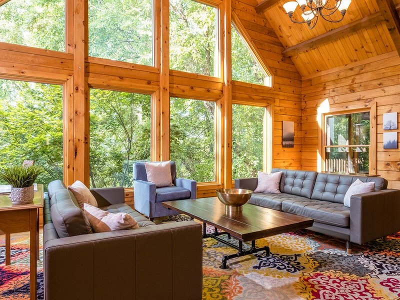 Log Cabin Lodge That Has It All, casa vacanza a McGaheysville