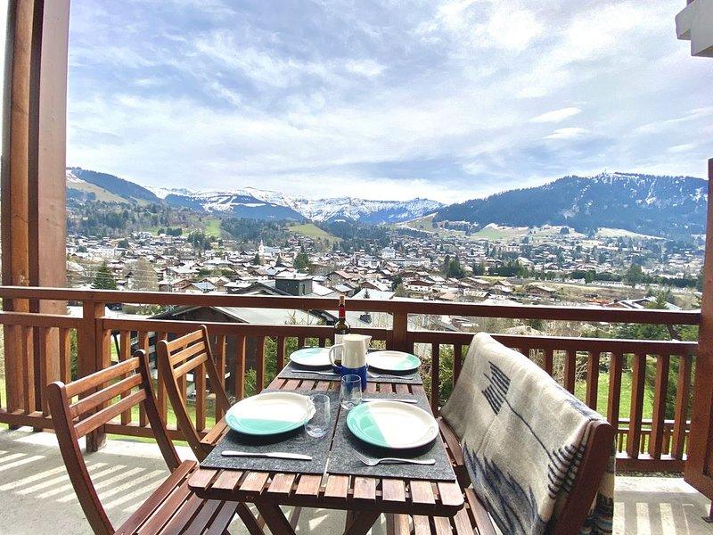 Beautiful duplex in MEGEVE - panoramic view, casa vacanza a Megève
