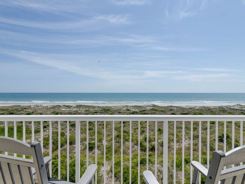 Paradise awaits at this top floor oceanfront condo on the beautiful north end, holiday rental in Ogden