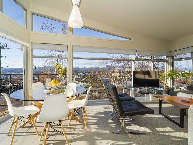Launceston Views Townhouse #1, holiday rental in Launceston