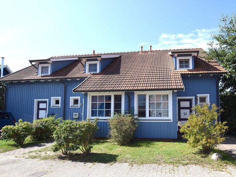 sehr schönes Endreihenhaus in Waldnähe bis 4 Personen, Garten, Haustiere erlaubt, holiday rental in Ostseebad Prerow
