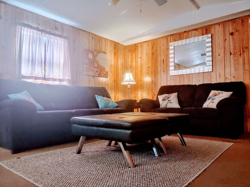 Happy Family Home - Pets Welcome!, vacation rental in Midway
