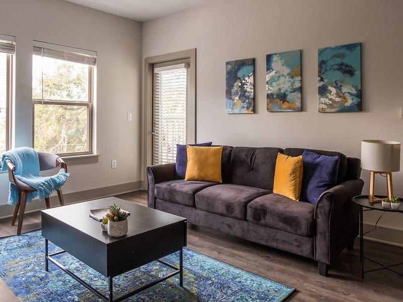 Designer Southbank 2BR near St. John's River, vacation rental in Jacksonville