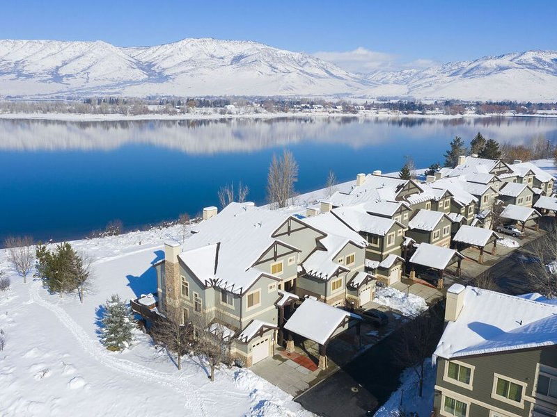 Lakeside 2bed Unit19| Closest lodging to Snowbasin/discount lift tickets avail, location de vacances à Huntsville