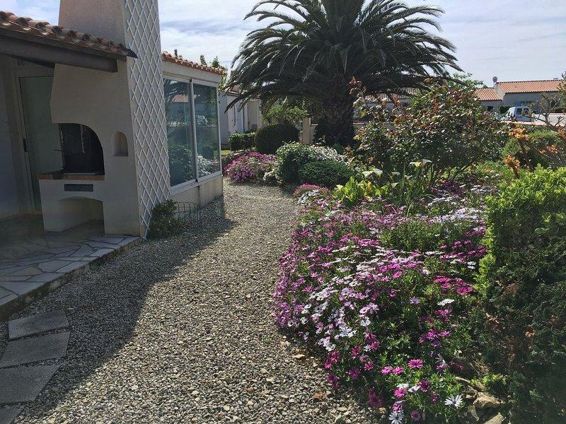 Maison au calme dans une impasse privée à 150m de la plage., casa vacanza a Saint-Denis d'Oleron