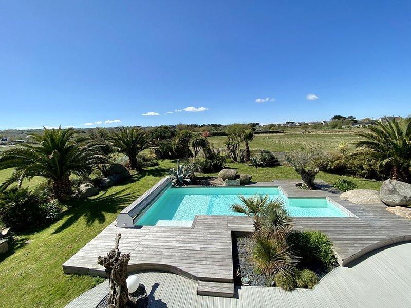 Villa avec piscine chauffée de mai à mi octobre 700m de la plage, alquiler vacacional en Guisseny