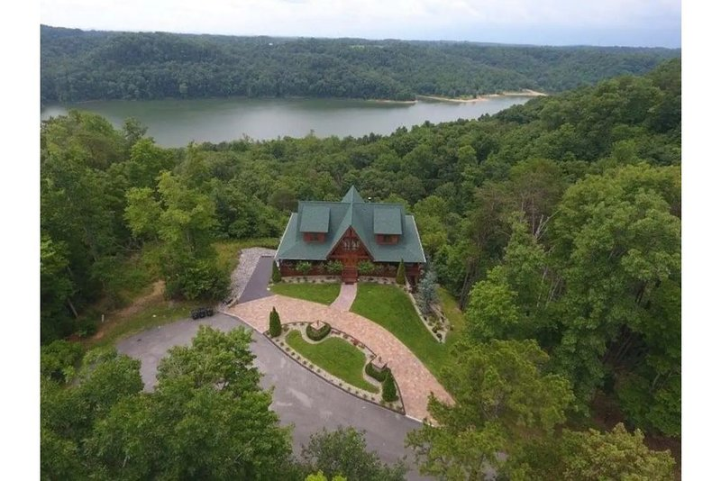 Look-Out Lodge on Lake Cumberland, alquiler de vacaciones en Russell Springs