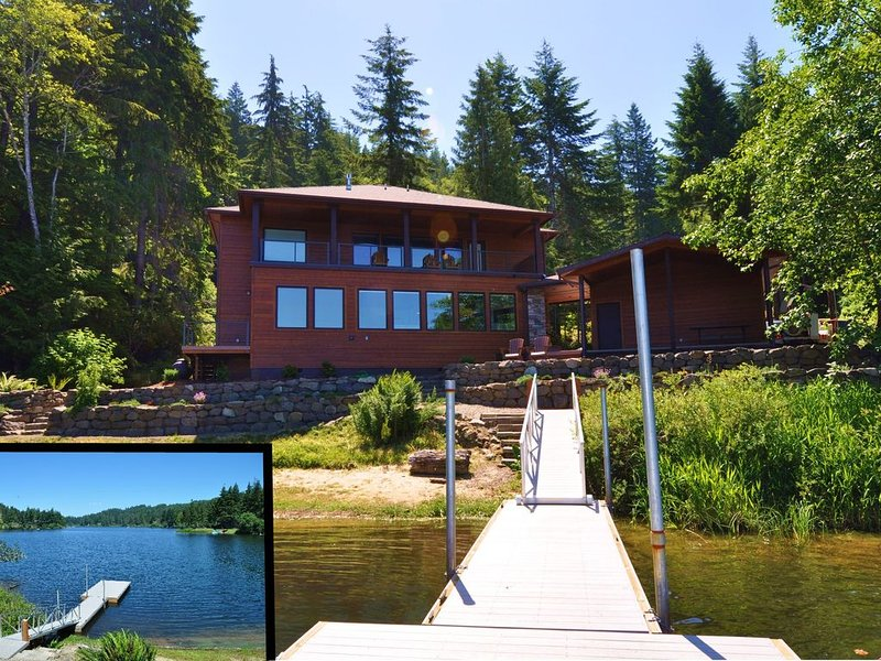 The Otter Banks on Mercer Lake!, alquiler de vacaciones en Florence