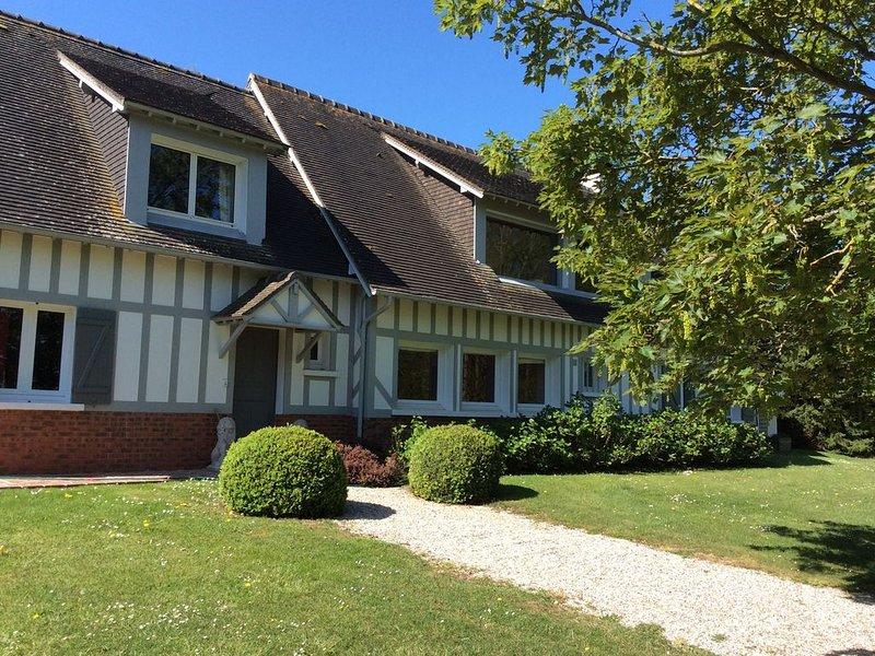 3 km de Deauville maison familiale grand jardin vue mer, vacation rental in Benerville-sur-Mer