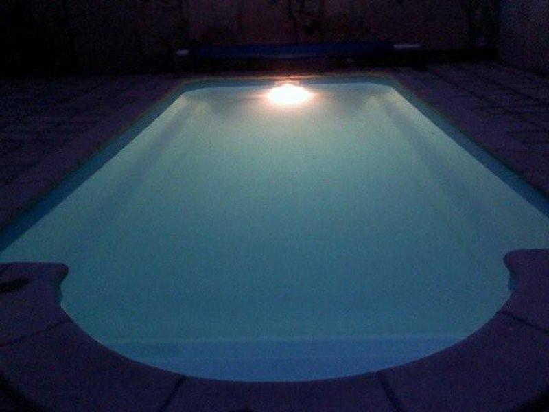 Gîte familial de caractère, piscine terrassée proche de la Mer, vakantiewoning in Saint-Andre-de-Roquelongue
