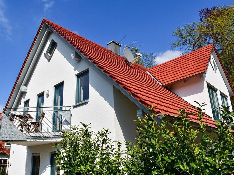 Ruhige, geräumige Ferienwohnung mit Balkon, location de vacances à Franconia