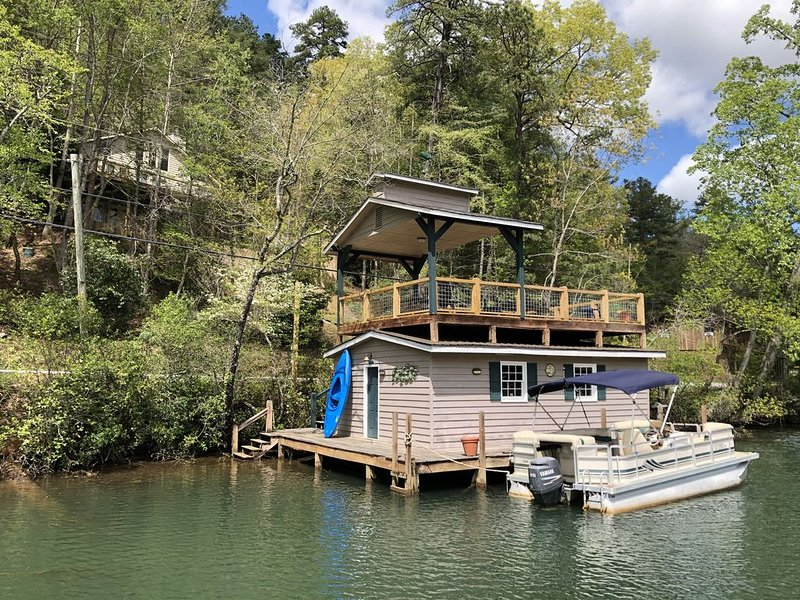 Family Gatherings on lake Rabun, holiday rental in Wiley