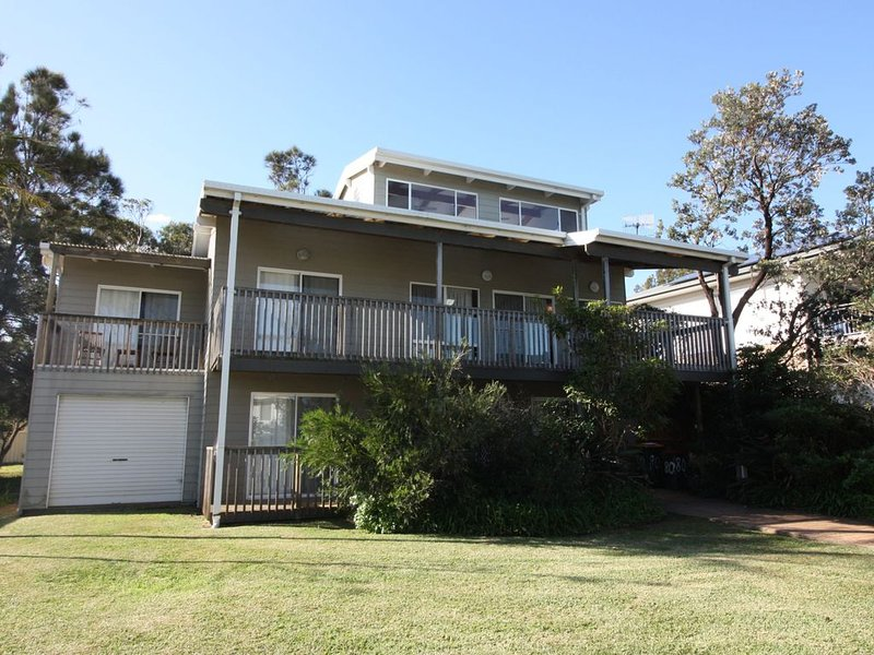 Seconds To Sand And Surf, holiday rental in Lake Conjola